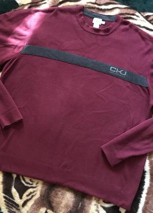 Классный свитер от calvin klein jeans