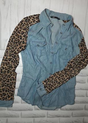 Джинсова рубашка  з рукавами в леопардовий принт ,