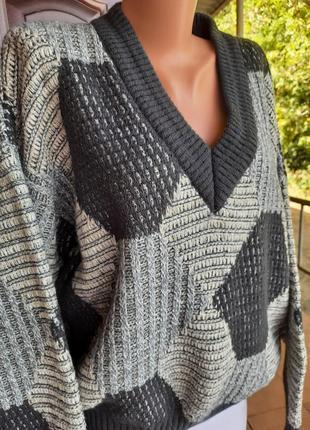 Теплющий вязаный свитер