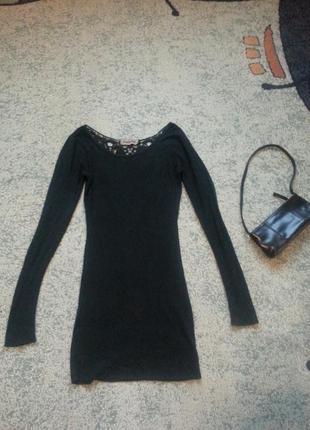 Красивое осеннее платье сзади с кружевом