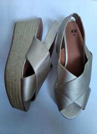 Босоножки сандали hm на платформе