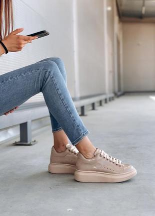 Женские лаковые кожаные кроссовки alexander mcqueen beige  😍