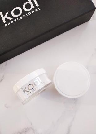 Competition white kodi (быстроотвердеваемый белый акрил) 22 гр.