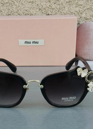 Miu miu очки женские солнцезащитные стильные и модные с камнями черные с градиентом3 фото
