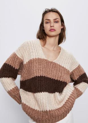 Шерстяной свитер в полоску оверсайз zara