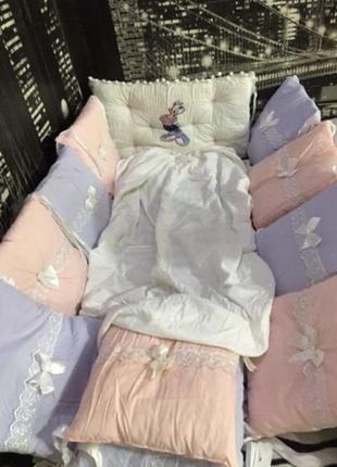 Комплект бортиков в детскую кроватку 120*60+простынь на резинке.постель