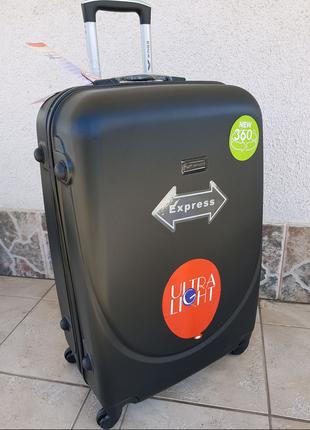 Большой чемодан фирмы wings 310 black