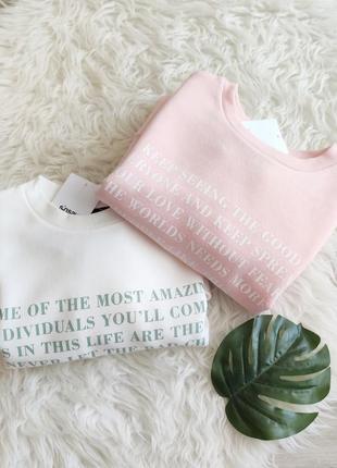 Новый розовый свитшот с принтом