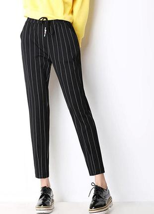 Базовые штаны бананы брюки в полоску