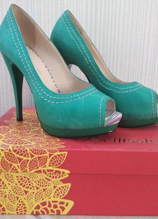 Зеленые туфли с открытым носком