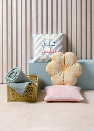 Велюровый чехол на подушку 40x40см розово - пудровый