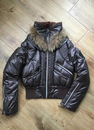 Дутая зимняя курточка