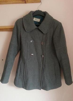 Женское осеннее пальто yessica