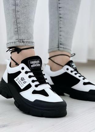 Новые женские черные с белым черно-белые кроссовки