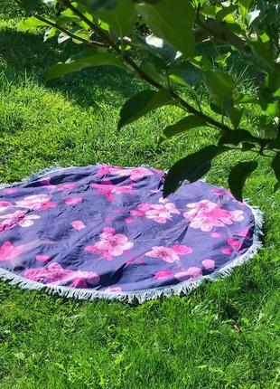 Круглый коврик плед в крупный цветочный дизайн
