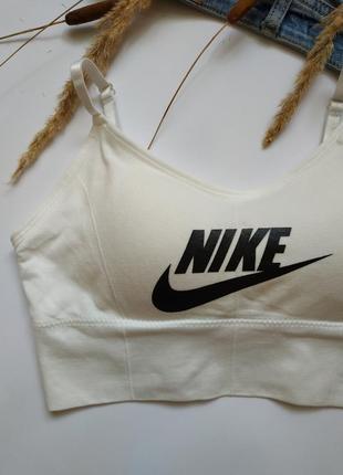 Спортивный топ с логотипом nike2 фото