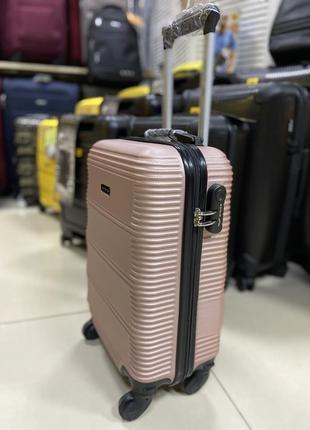Чемодан ручная кладь розовый польша2 фото