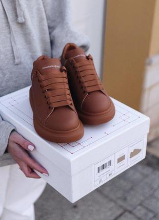 Шикарные женские кроссовки alexander mcqueen chestnut наложка