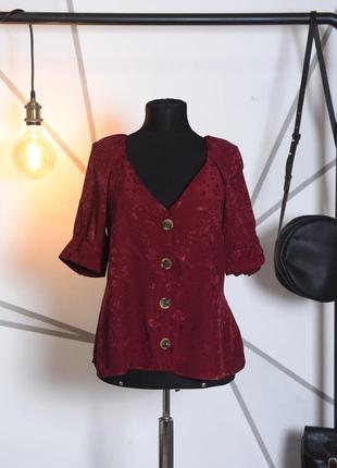 Блузка на пуговках с рукавами фонариками