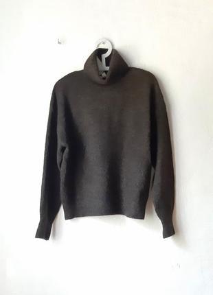 Теплый мягенький  свитер
