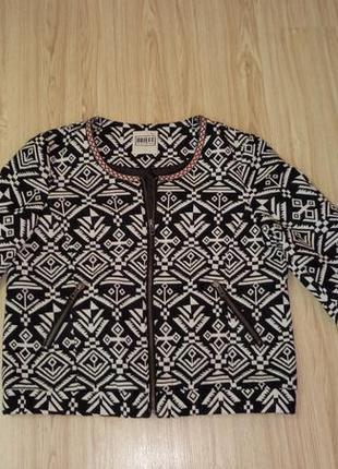 Блайзер -пиджак в модный принт