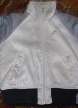 Куртка-ветровка nike s