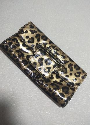 Леопардовый лаковый клатч,сумочка без ручек