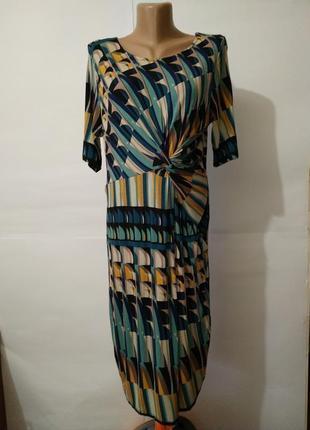 Платье по фигуре трикотажное вискозное в геометрический принт uk 12/40/m
