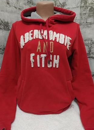 Красная теплая кофта с капюшеном
