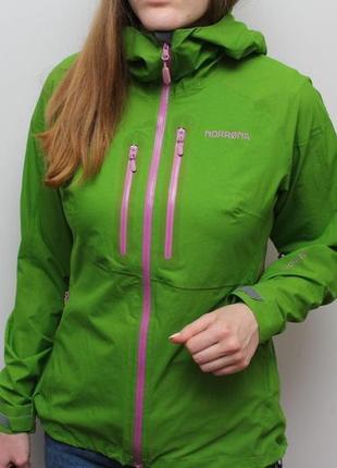 Оригинальная ультралегкая мембранная куртка norrona