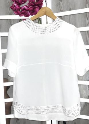 Блуза с камнями , белоснежная футболка.