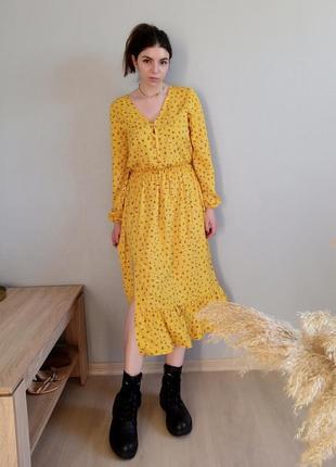 Шикарное желтое платье миди