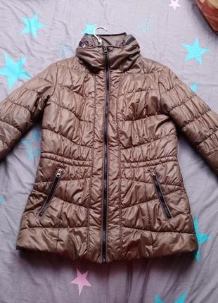 Коричневая куртка на осень/весну