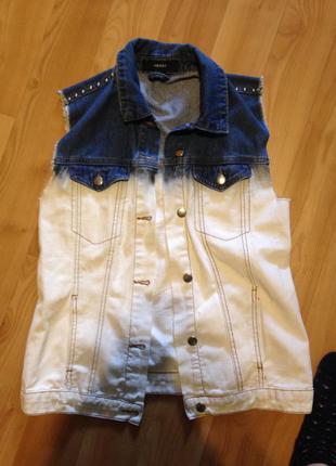 Forever 21 джинсовая жилетка