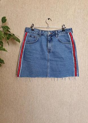 Стильная джинсовая юбка с лампасами от denim co