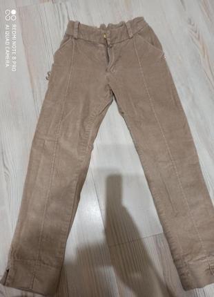 Красивые вельветовые брюки