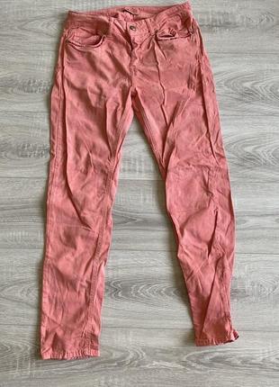 Джинсы розового оттенка rossodisera