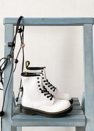Ботинки мартинсы, белые