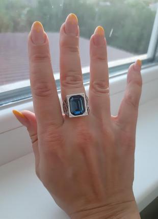 Женская печатка с синим кристаллом