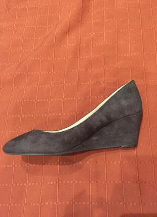 Туфли из натуральной замши шоколадного цвета