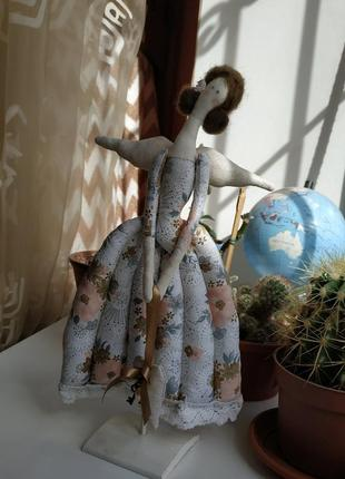 Кукла на подставке, ручная работа