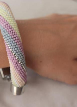 Нежный браслет из японского бисера