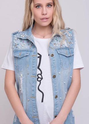 Акция джинсовая куртка жилетка с бусинами