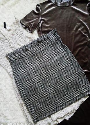 Трикотажная юбка карандаш в школу с рюшами принт клетка гусиная лапка