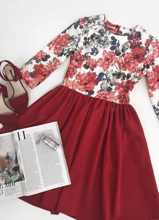 Красное платье принт цветы, красное платье, платье в цветочный принт