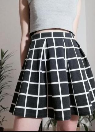 Чёрно-белая юбка в клеточку