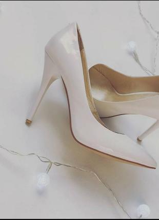 Туфли лодочки белые лаковые свадебные