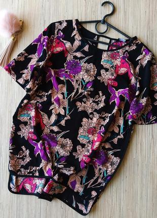 Яркая цветочная удлиненная блуза