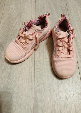 Фирменые кросовки для девочки skechers