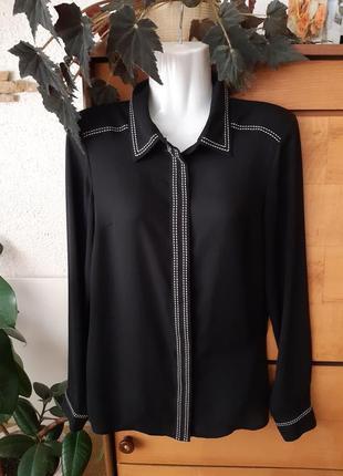 Красивая строгая блузка